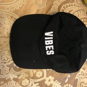 Vs hat